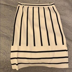 White and navy knit pencil skirt